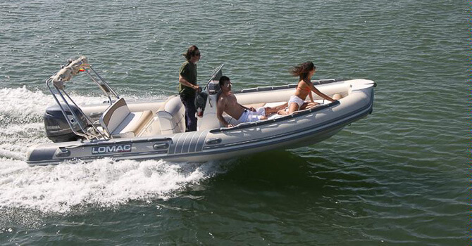 Location LOMAC 600 IN à Ajaccio | www.uni-bateaux.com