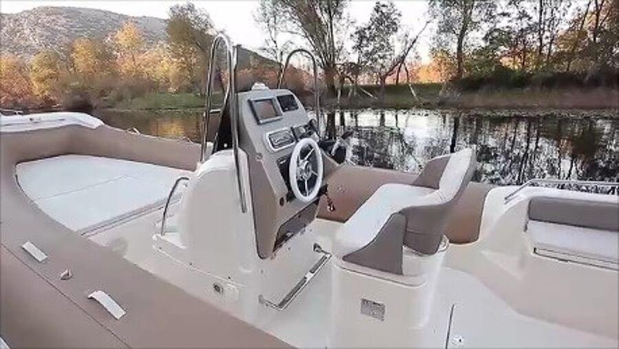 Photo du bateau à moteur MAR-CO 23