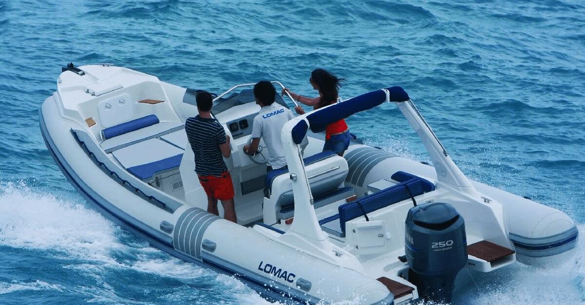 Location LOMAC 7.9 IN à Ajaccio | www.uni-bateaux.com