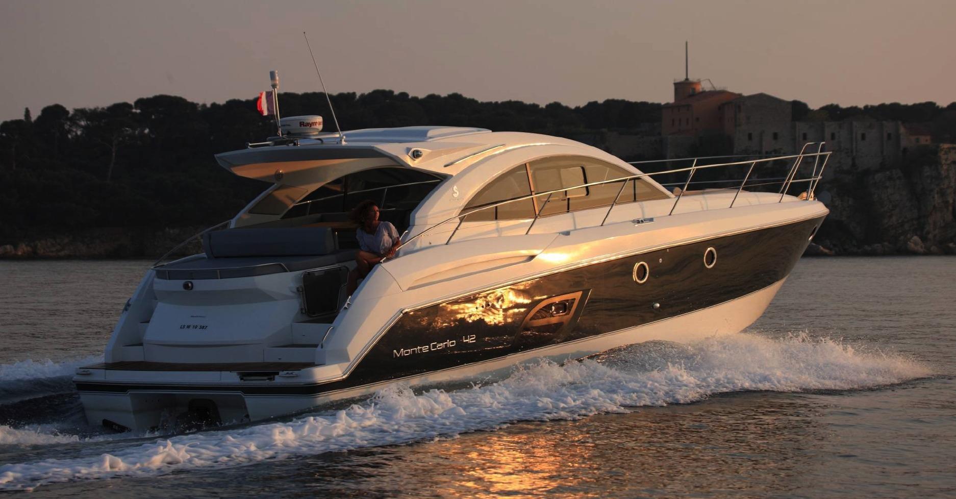 Location BENETEAU Monte Carlo 42 à Ajaccio | www.uni-bateaux.com