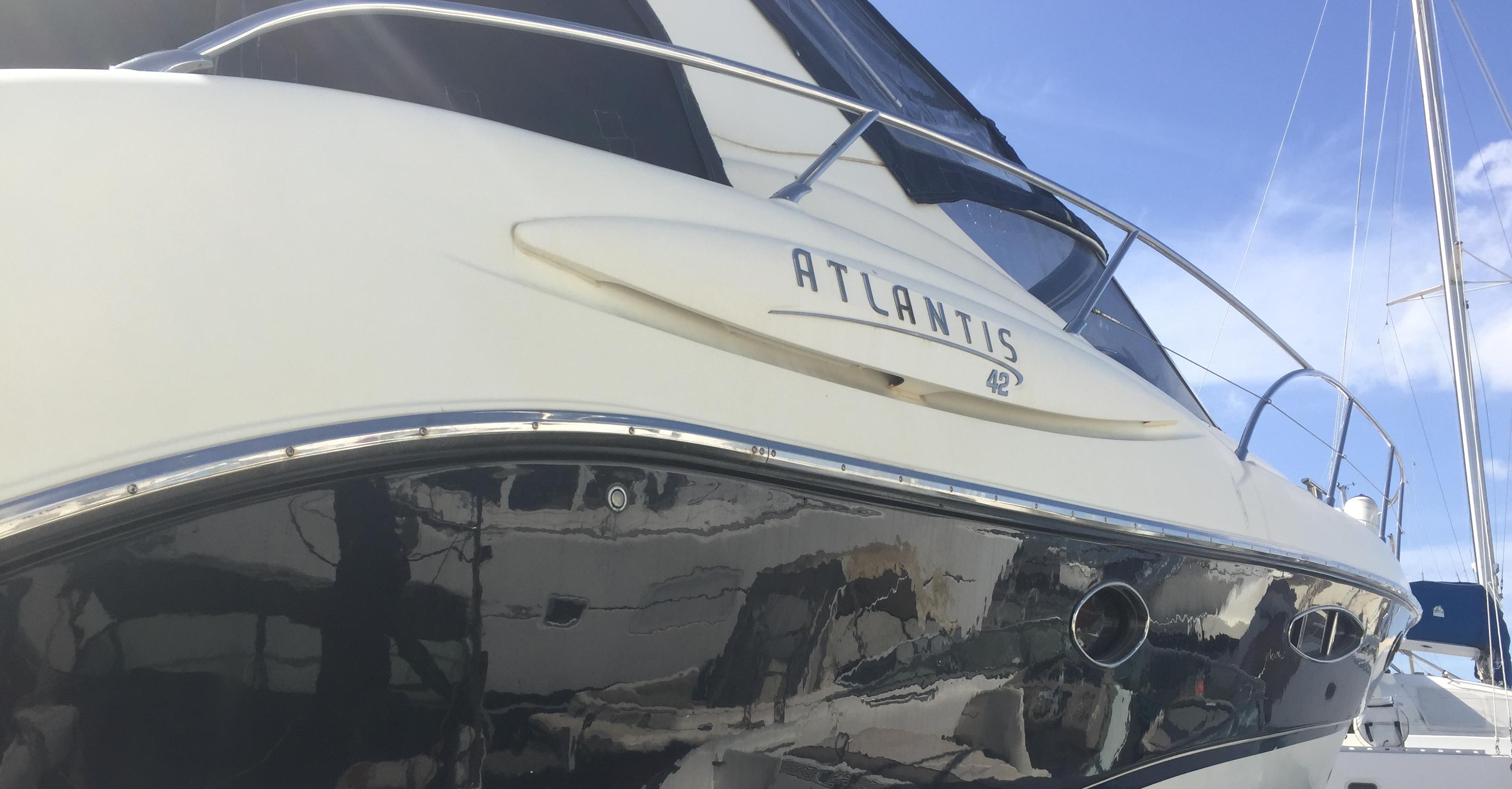 Rental CRANCHI Atlantis 42 at Portimão | prorentalgarve.com